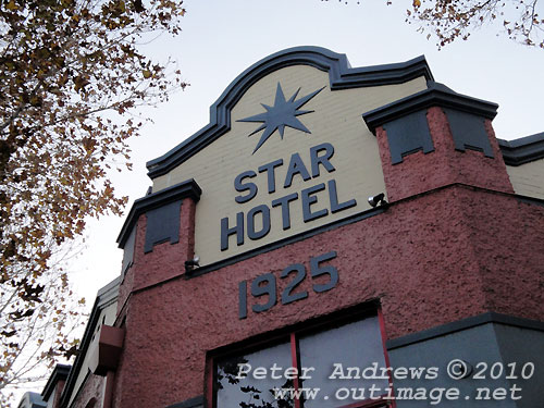 The Star Hotel - 1925, Newcastle. Photo copyright Peter Andrews, Outimage Publications.